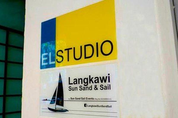 El Studio - 13