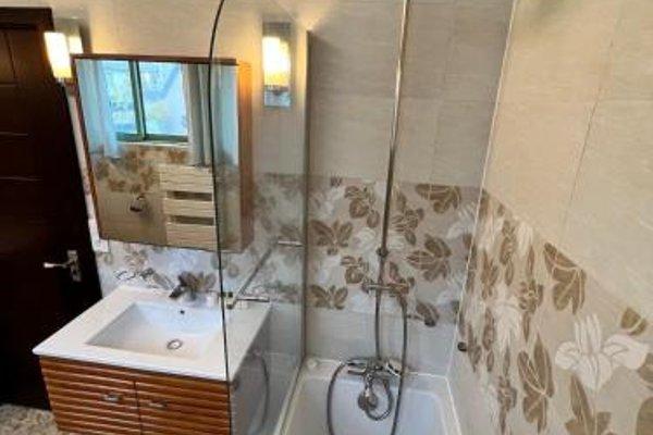 Pere Lachaise Apartment - 10