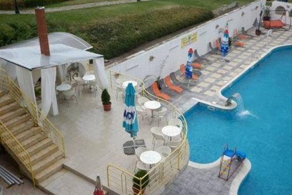 LAGUNA HOTEL - 21