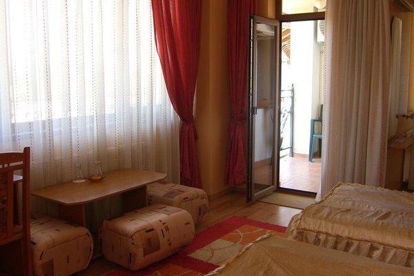 Family Hotel Silvestar - фото 3