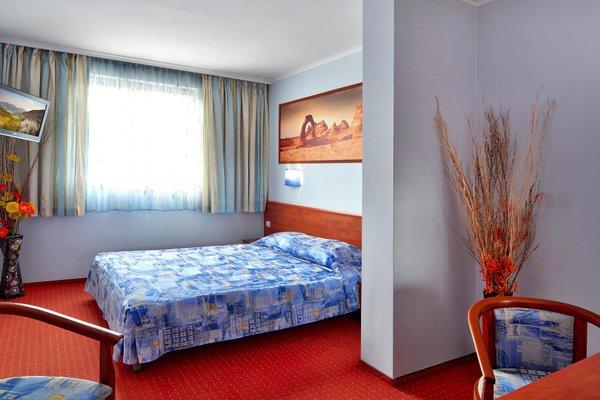 Aqua Hotel - фото 4
