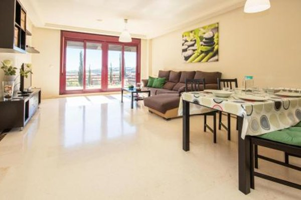 Apartment Casares Malaga with Sea View 08 - 10