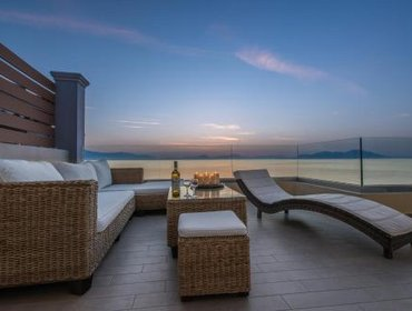 Апартаменты Diamante Beachfront Suites