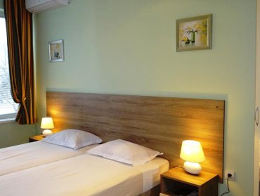 Guesthouse Guest Rooms Kom