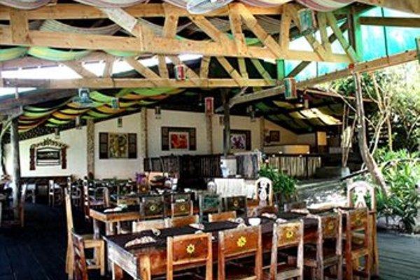 Bohol Bee Farm Hotel - фото 11
