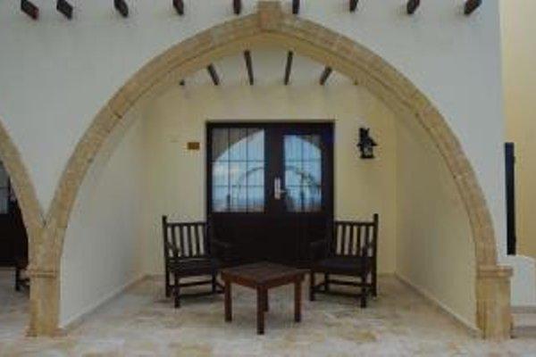 Отель Bellapais Monastery Village - фото 13