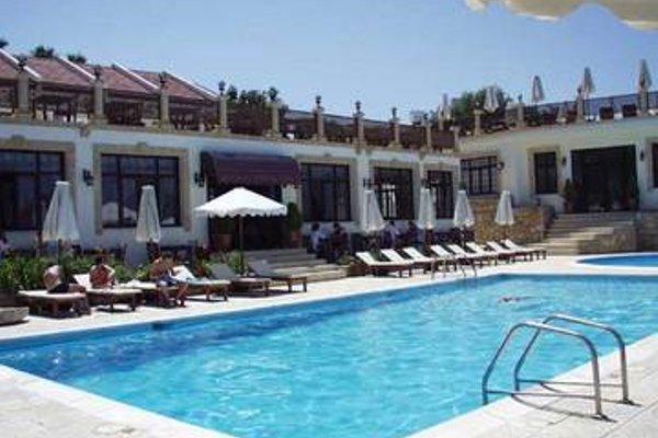 Отель Bellapais Monastery Village - фото 17