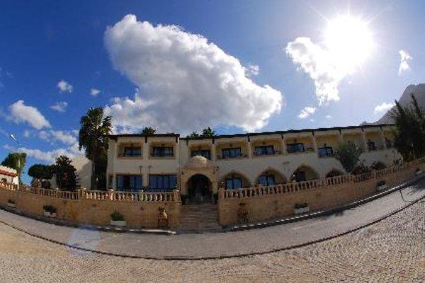 Отель Bellapais Monastery Village - фото 19