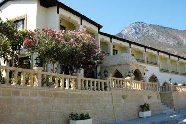 Отель Bellapais Monastery Village - фото 21