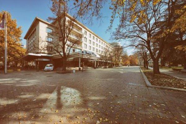 Dunav Plaza (ех. Danube Plaza) - фото 20