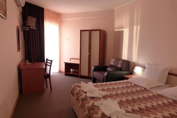 Aura Family Hotel (Семеен Хотел Аура) - фото 3