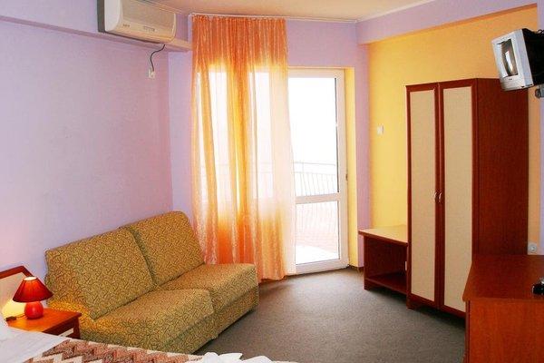 Aura Family Hotel (Семеен Хотел Аура) - фото 7
