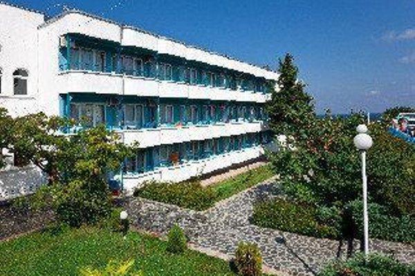 Perla Beach Hotel Iii - фото 42