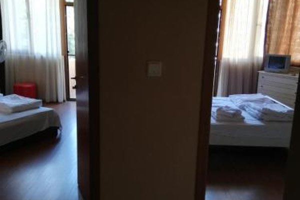 Hristovi Apartments & Studios - фото 18
