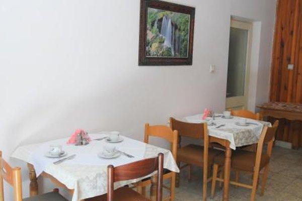 Haxhiu Hotel Tirana - фото 10