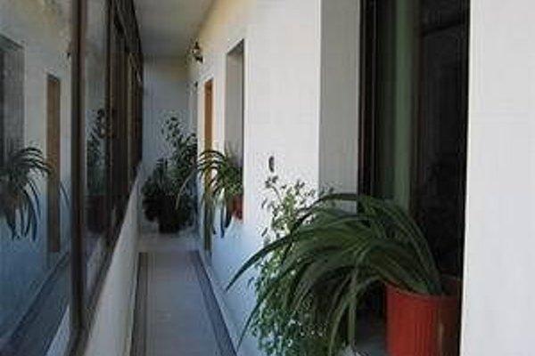 Haxhiu Hotel Tirana - фото 15