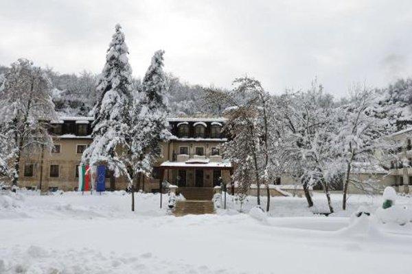 Kaylaka Park Hotel - фото 23