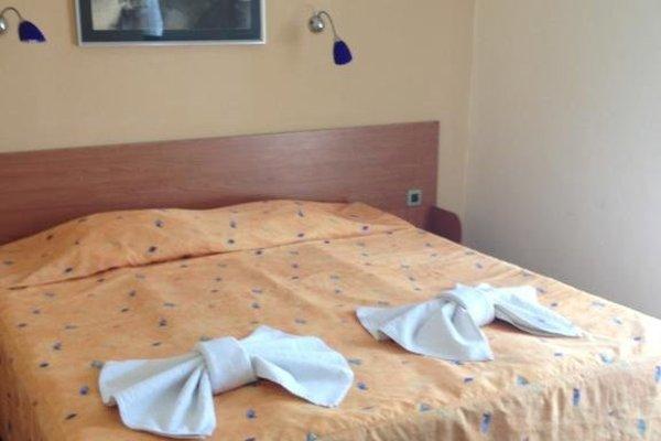 Prince Cyril Hotel - фото 4