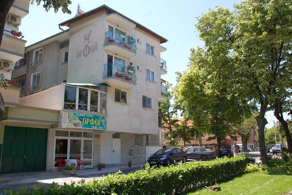 Family Hotel Orfei - фото 17