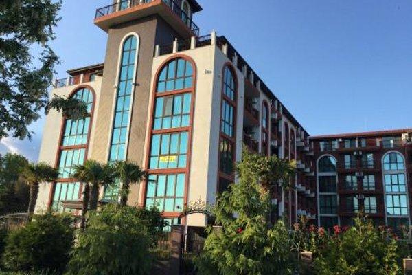 Apartments in Chateau Del Marina Complex - фото 50