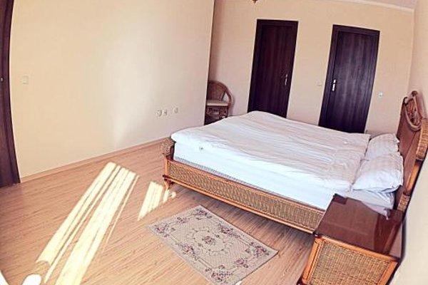Apartments in Chateau Del Marina Complex - фото 18