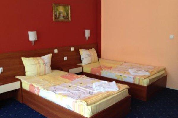 Family Hotel Diana - фото 4