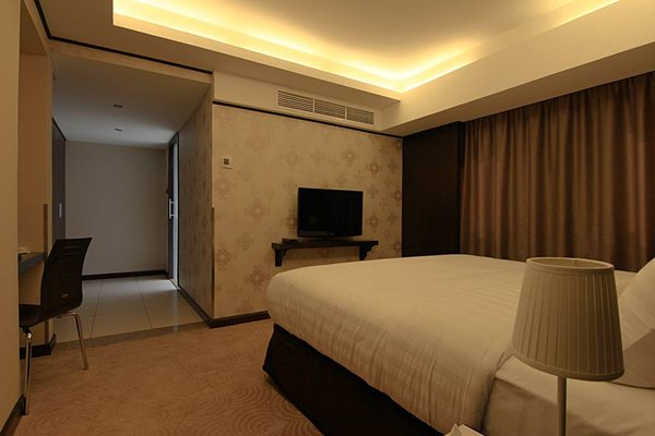 Mark Inn Hotel Deira (ех. Al Kameelia Hotel) - фото 3