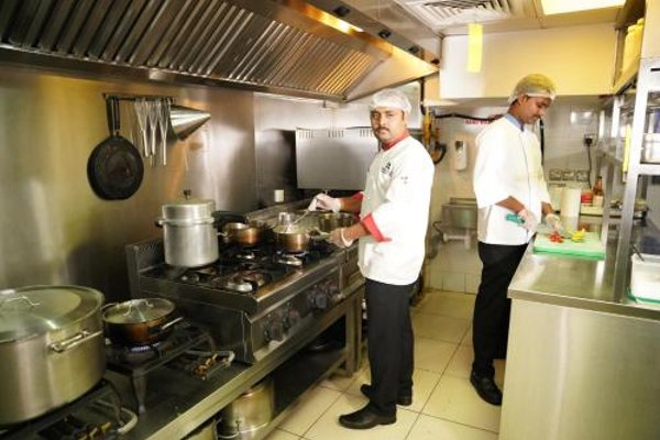 Mark Inn Hotel Deira (ех. Al Kameelia Hotel) - фото 9