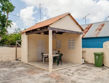 Хостел Poppy Hostel Curacao