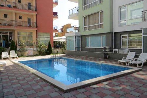 Apartments in Azalia 2 Complex - фото 23