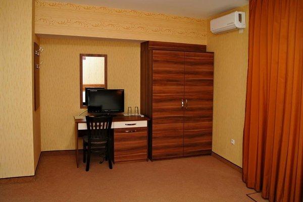 Family Hotel Ramira - фото 4