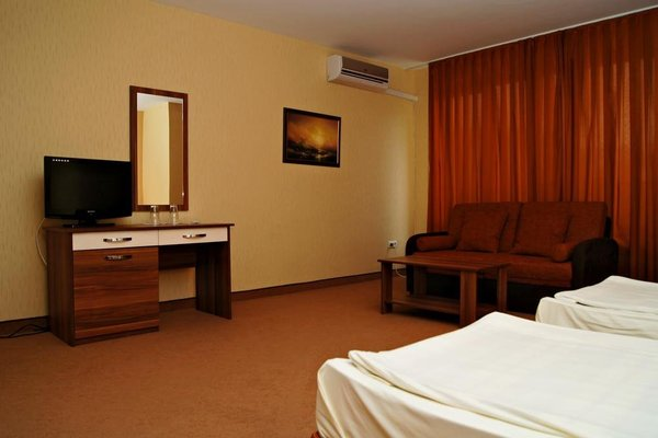 Family Hotel Ramira - фото 5