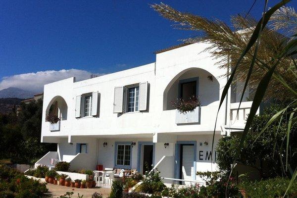 Emilia Apartments - фото 35