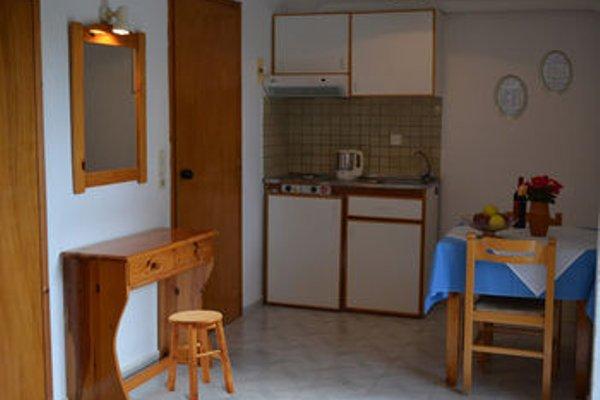 Emilia Apartments - фото 9