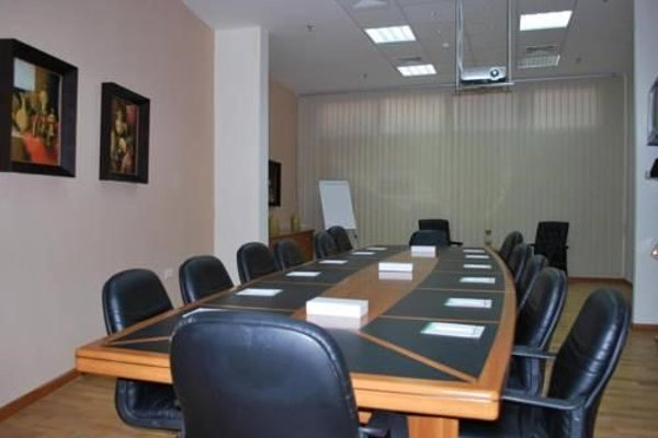 Al Deyafa Hotel Apartments - 10