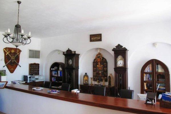 Porto Scoutari Romantic Hotel - фото 11