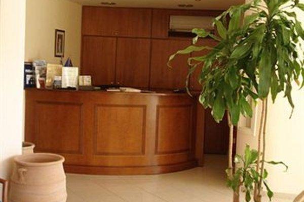Hiona Holiday Hotel - фото 15