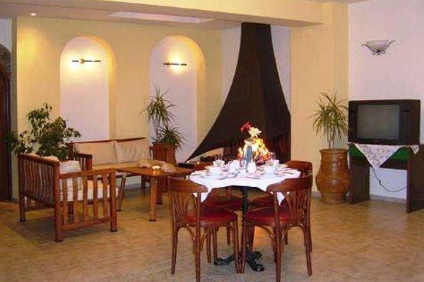 Pyrgos Hotel - 7