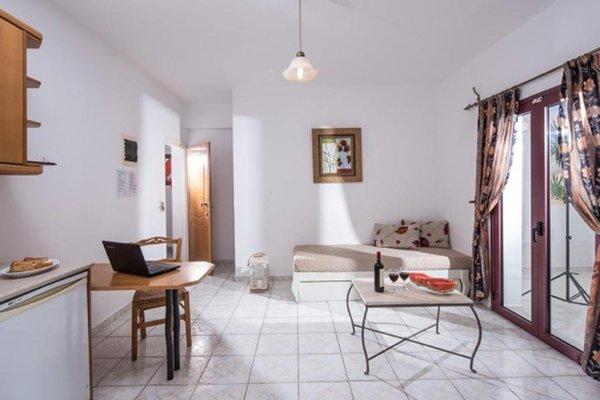 Irida Hotel Apartments - фото 11
