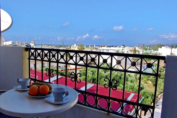 Irida Hotel Apartments - фото 17