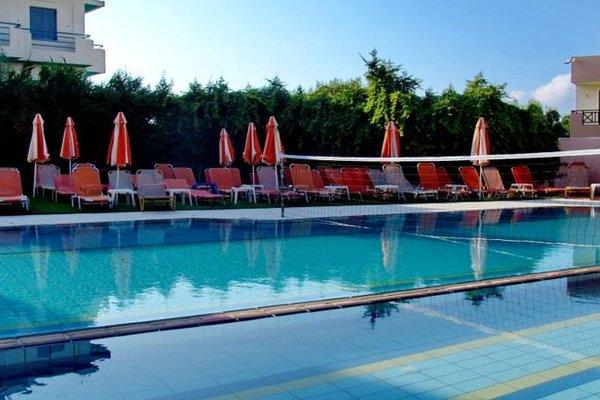 Irida Hotel Apartments - фото 20