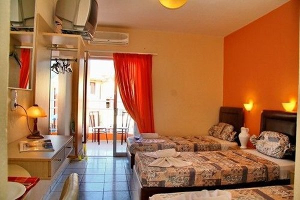 Irida Hotel Apartments - 4