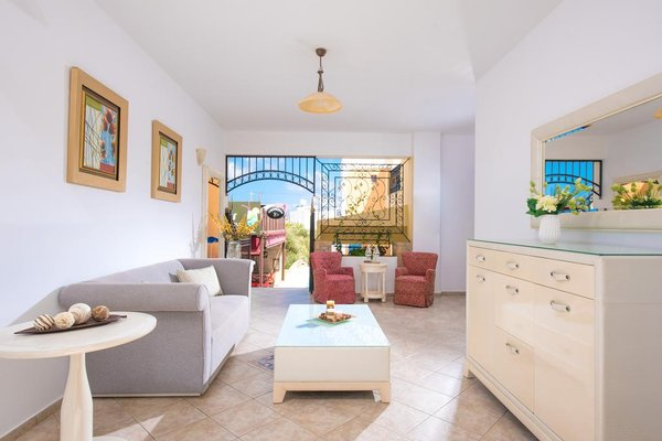 Irida Hotel Apartments - фото 7