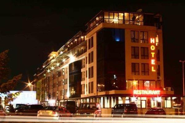 Avenue Hotel - фото 22