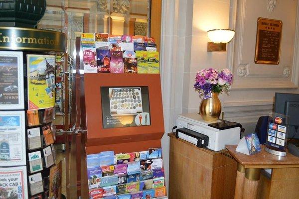 Hotel Royal Elysees - 10