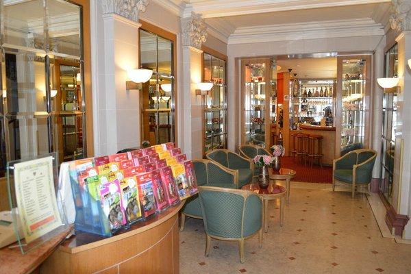 Hotel Royal Elysees - 13