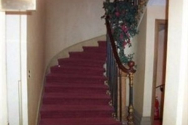 Hotel Royal Elysees - 15
