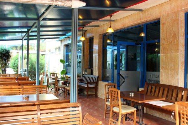 Fenix Hotel - фото 11