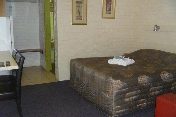 Stagecoach Inn Motel - фото 11