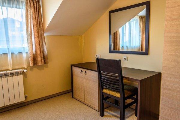 Apartment Complex Dream - 19